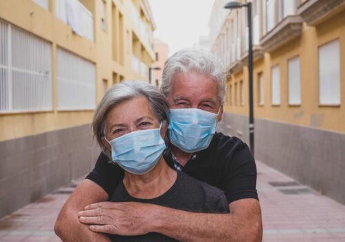 Couple,Of,Two,Seniors,Wearing,Medical,Mask,To,Prevent,Coronavirus